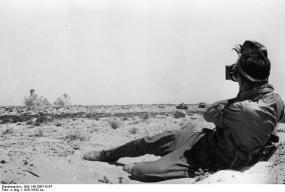 Nordafrika, PK-Filmberichter in der Wüste