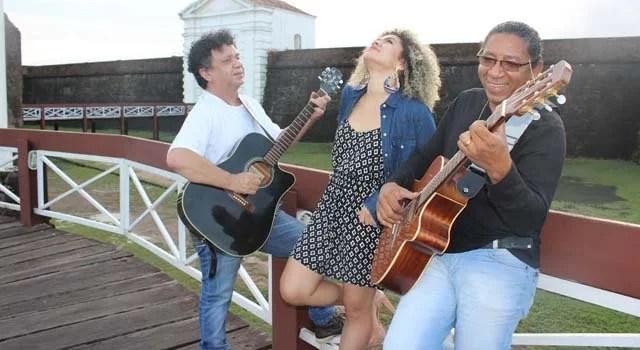 Ariel Moura, Zé Miguel e Omar Junior juntos no Barril