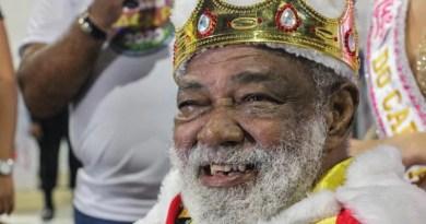 É oficial! Após entrega da chave da cidade ao Rei Momo, carnaval começa em Macapá