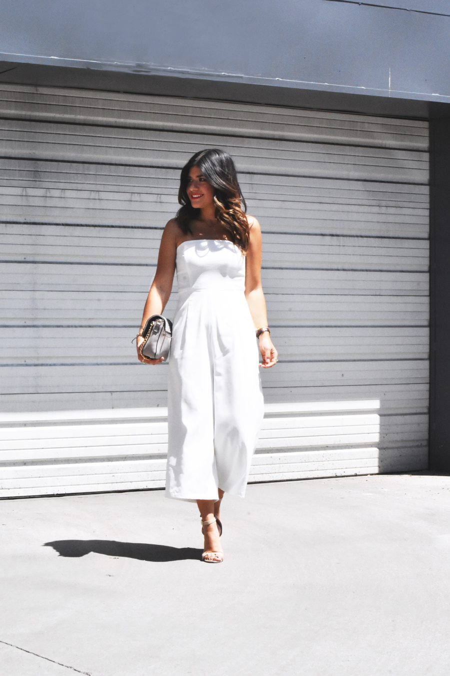 WHITE JUMSUIT AND NUDE HEELS