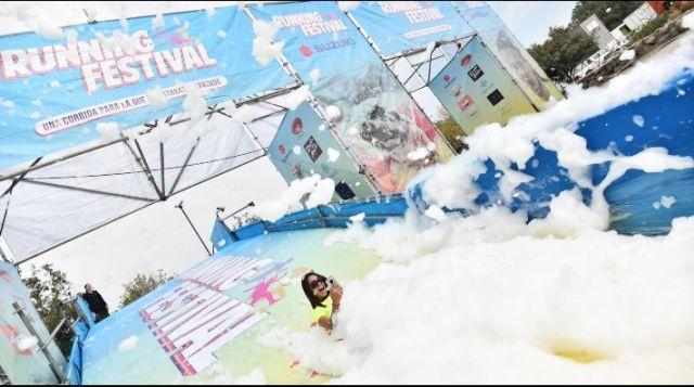3 mil personas llegaron al Running Festival y gozaron de baños de espuma