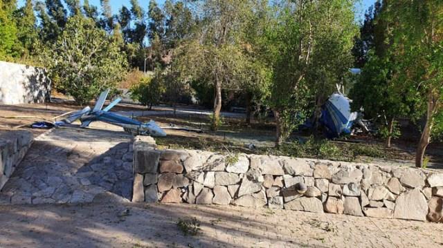 Helicóptero civil capota en jardín de vivienda en Colina: Confirman fallecimiento del piloto