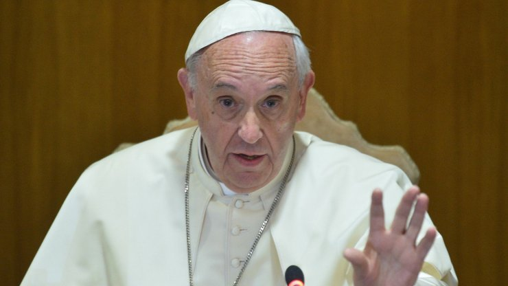 Pope blows hot as Nigerian lady tells him Catholics patronise prostitutes