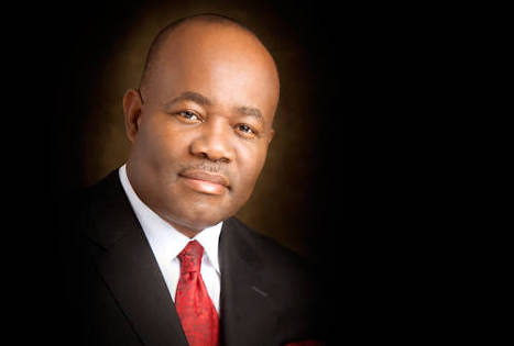 Breaking News: Senator Akpabio formally dumps PDP for APC