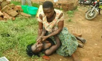 Married women strip na9ked, fight dirty over 'lover boy' widower in Anambra
