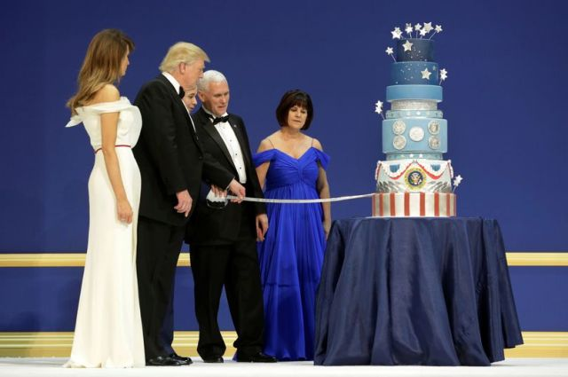 US-President-Donald-Trump-with-his-wife-Melania-and-Vice-President-Mike-Pence-with-his-wife-Karen