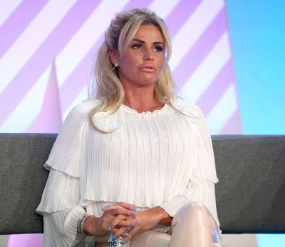 Katie-Price-addresses-delegates-at-the-Festival-of-Marketing