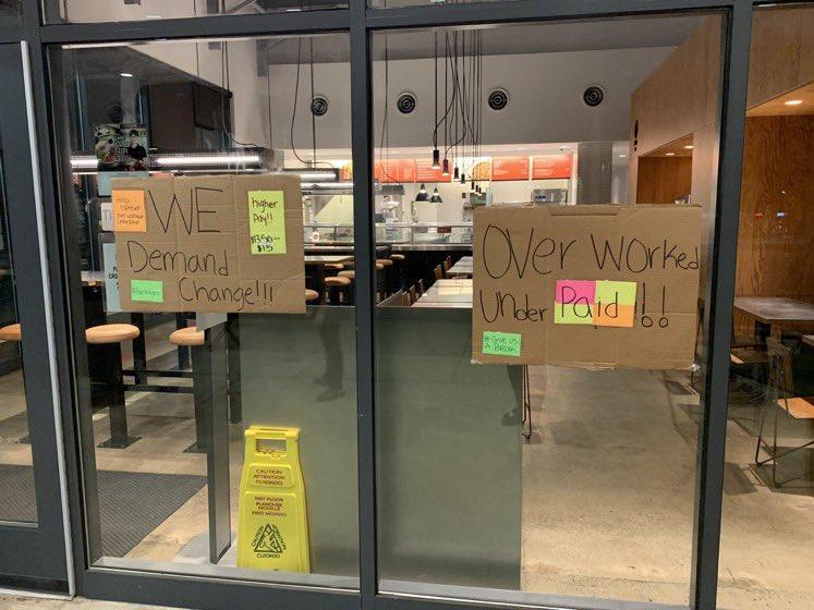 fast food workers, workers on strike, minimum wage,