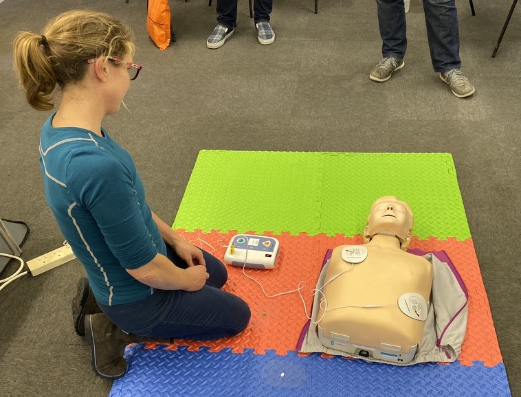 AED training on the HSE EFAW Course