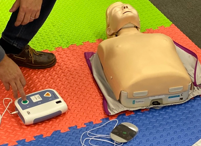 AED practice on the RYA First Aid Course
