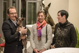 Pedro Santiago Allemant – Movie Director, Nieva Taysha Pazzda - Peruvian Hairless Dog of Eva Linhartová, Veronique Dirix (Belgian Chinese Crested, Peruvian & Xolo Club) and a member of her club. Photo by Alessandro Pucci
