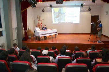 Arql. Alfredo Narvaez – Director Ejecutivo de la Unidad Ejecutora 005 Naylamp Lambayeque y Pedro-Santiago Allemant - realizador del filme.