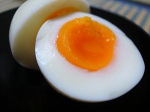 電気ゆで卵器