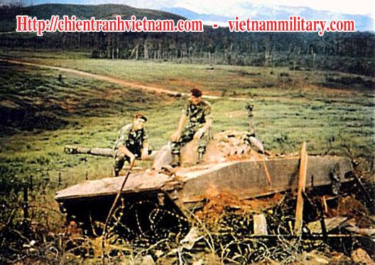 Lực lượng đặc biệt Special Force ( Special Ranger ) bắn cháy xe tăng PT-76 trong trận BenHet 1969 - Chiến tranh Việt Nam - Viet Nam War