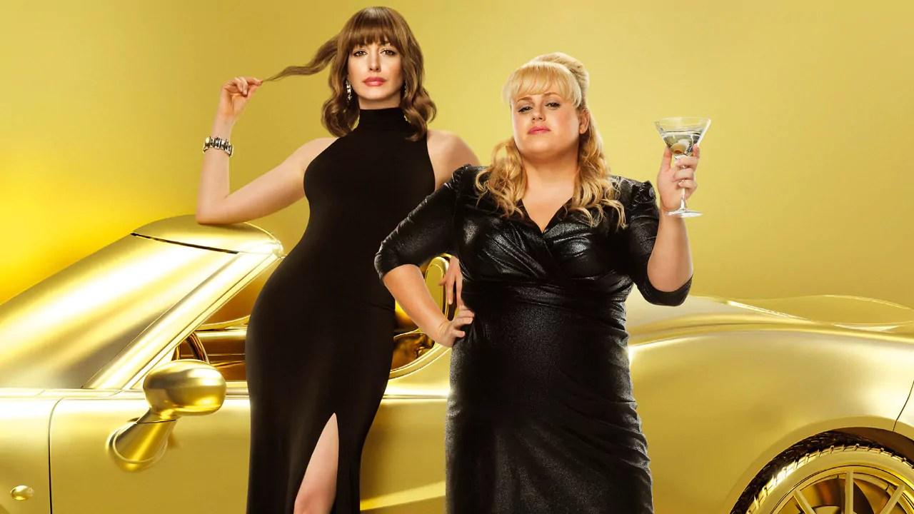 Attenti a quelle due: Anne Hathaway e Rebel Wilson sono le protagoniste di una commedia irriverente