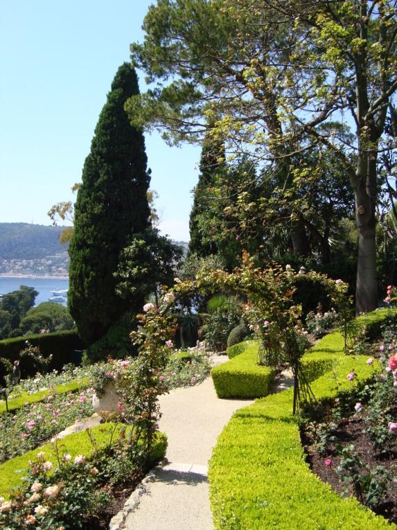 Entre Nice et Monaco, viens visiter cette magnifique propriété !