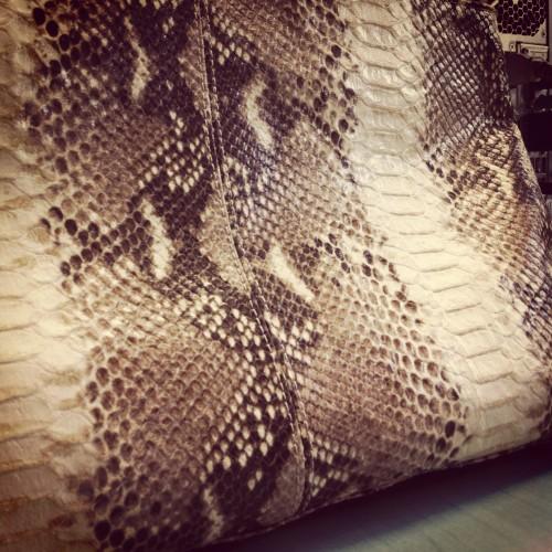 pochette python Zara