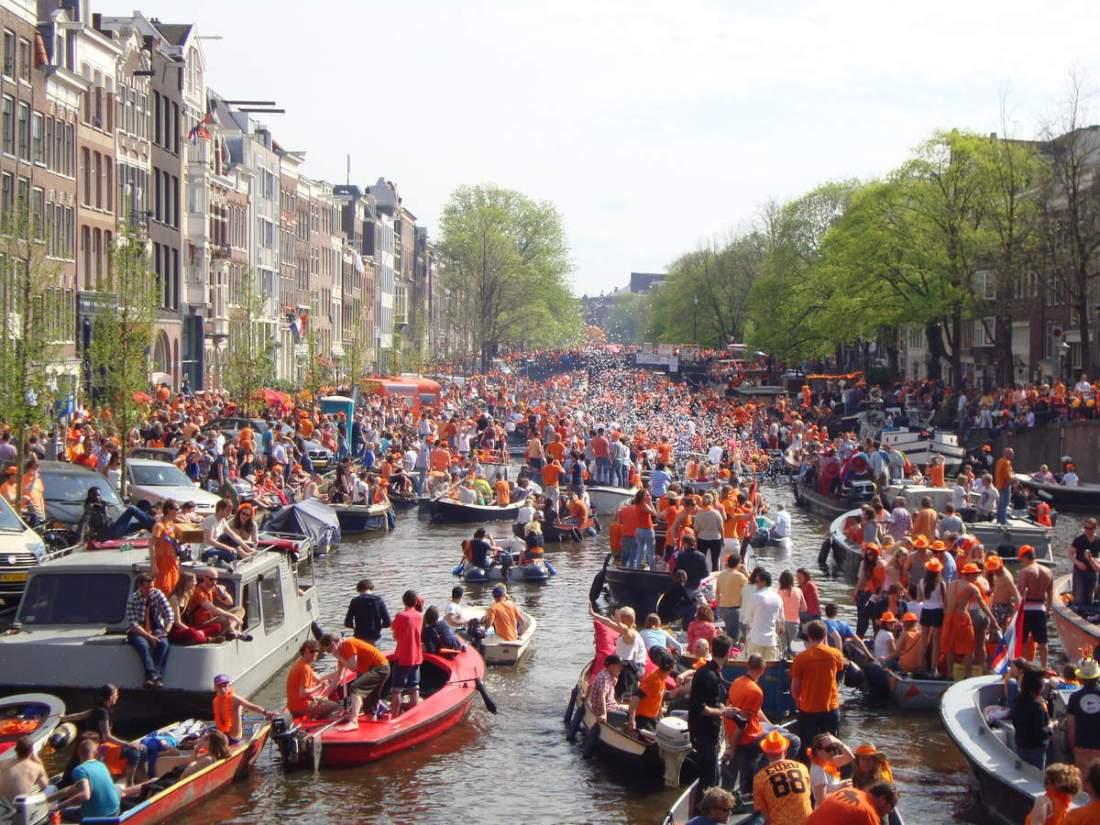 Amsterdam le 30 avril 2012.