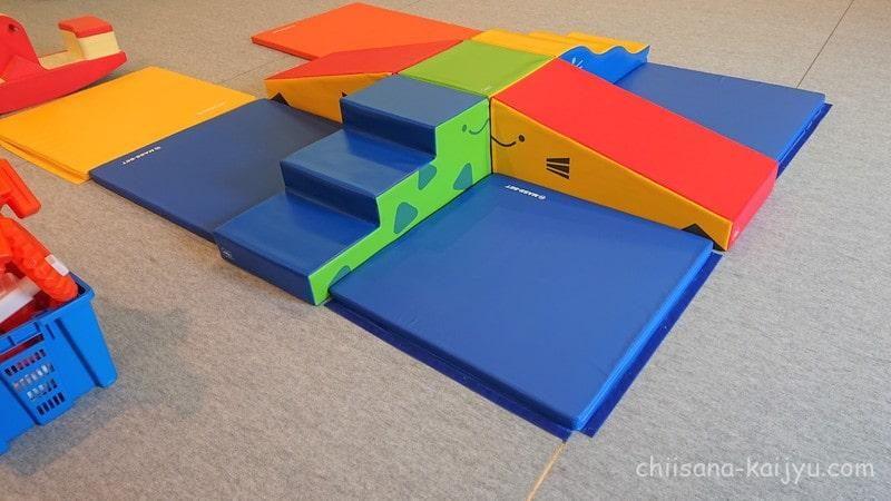 砂川ハイウェイオアシスの2階 屋内あそびばにある遊具