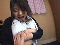 足指フェチな女学生が親指をオッパイに擦り付けて乳首オナニー