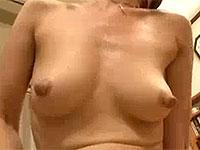 デカナガ乳首のセックスレス母さんがリビングで全裸バイブオナニー
