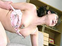 センタービレッジの名乳首シリーズ、ひたすら乳首いじり近親相姦に川上ゆうさんが降臨!