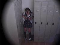 激カワ女子生徒が更衣室の隅で乳首弄りオナニーしている所の盗撮に成功!