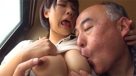 乳首を吸われる白咲碧ちゃん