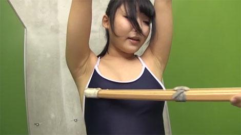 スク水の上から竹刀で乳首責め