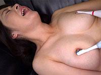 五十路の熟女達の熟れきった乳首をとことん責めまくる「熟女の勃起乳首いじり」が動画配信開始!