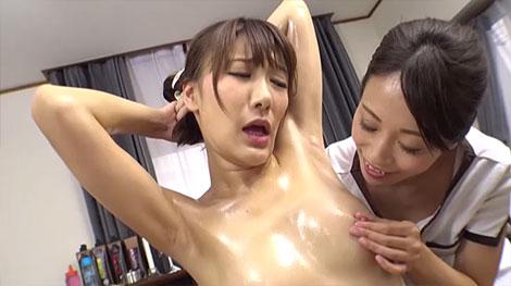 乳首エステで乳腺開発される小峰みこ