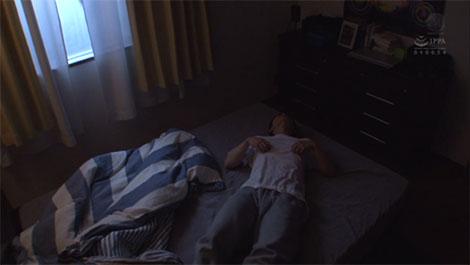 自室で乳首を弄る小太郎