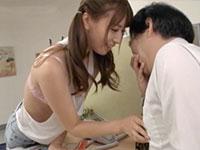 Mr.デカ乳首男が超可愛い痴女、初川みなみちゃんに脅されて職場でデカ乳首をイジられまくってる作品を発見っっっ!