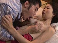 母乳の出る兄嫁のオナニーを見て興奮した義弟が寝込みを襲って新鮮な母乳をたっぷりと頂く夜這い母乳動画!