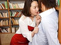 図書館で僕の乳首を舐め弄ってくる司書