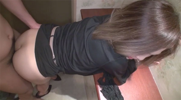 玄関で生セックス