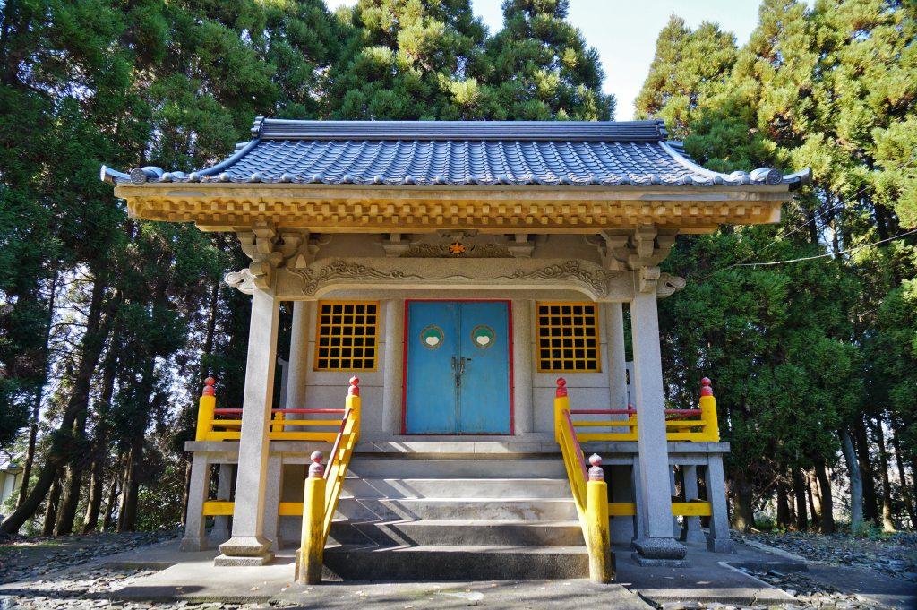福岡県大牟田市宮部66-1 早馬神社 コンクリート製の神殿 昭和三十五年四月五日火災で全焼した