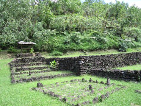 Tahiti-ruins-papenoo-valley-5