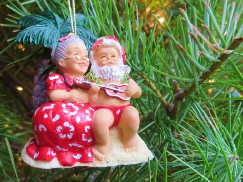 Santa and Mrs Claus in Hawaii ornaments