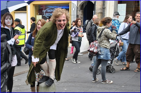 street-performer-costume