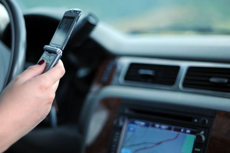 texting-and-driving-4-apps-that-will-keep-your-teen-safe-on-the-road