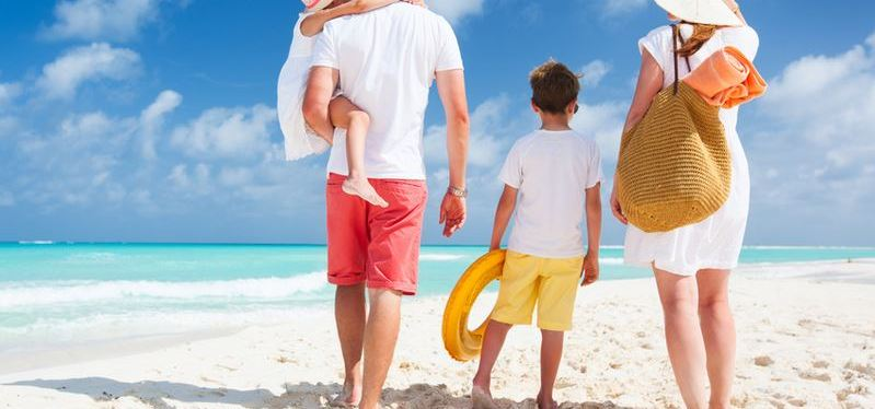 Family Winter Vacations: 5 Fun Ideas to Escape the Cold