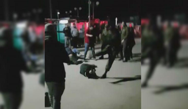 (VIDEO) Denuncian GOLPIZA DE CARABINEROS a transeúntes en PELLUHUE