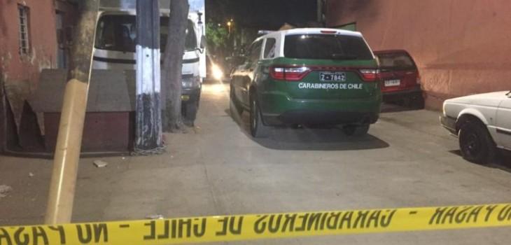 Padre e hija de 11 años fueron baleados en su casa en Recoleta: ataque habría sido premeditado