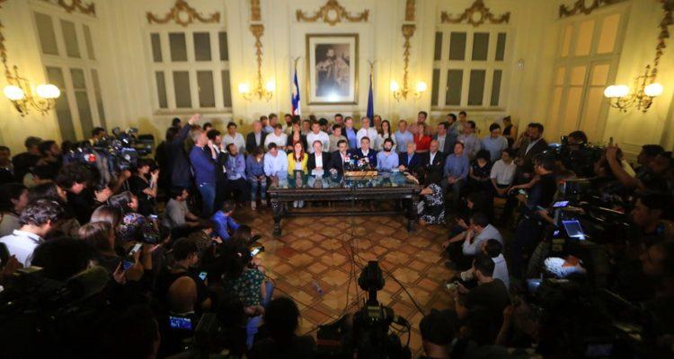 Desde el FA a la UDI: Congreso logra histórico acuerdo para construir nueva constitución