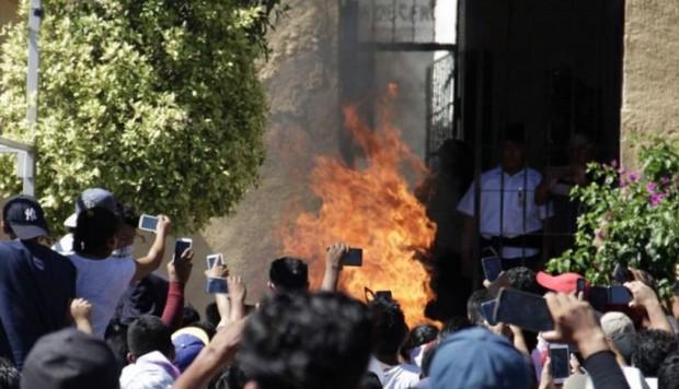 Habitantes de poblado queman vivo a acusado de violar y asesinar a niña de 6 años