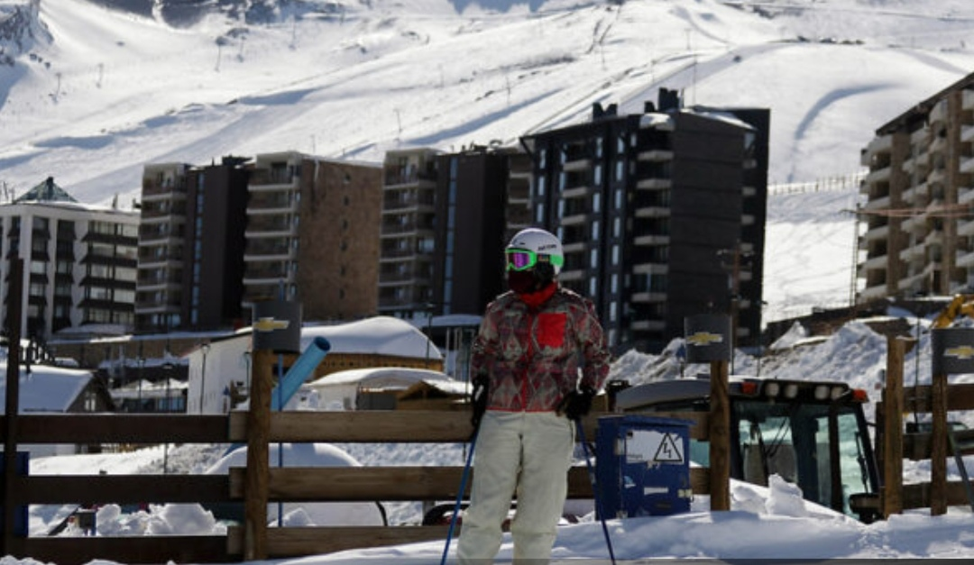 Autoridades indican que solo ALGUNAS PERSONAS pueden acudir a FARELLONES para disfrutar de la nieve