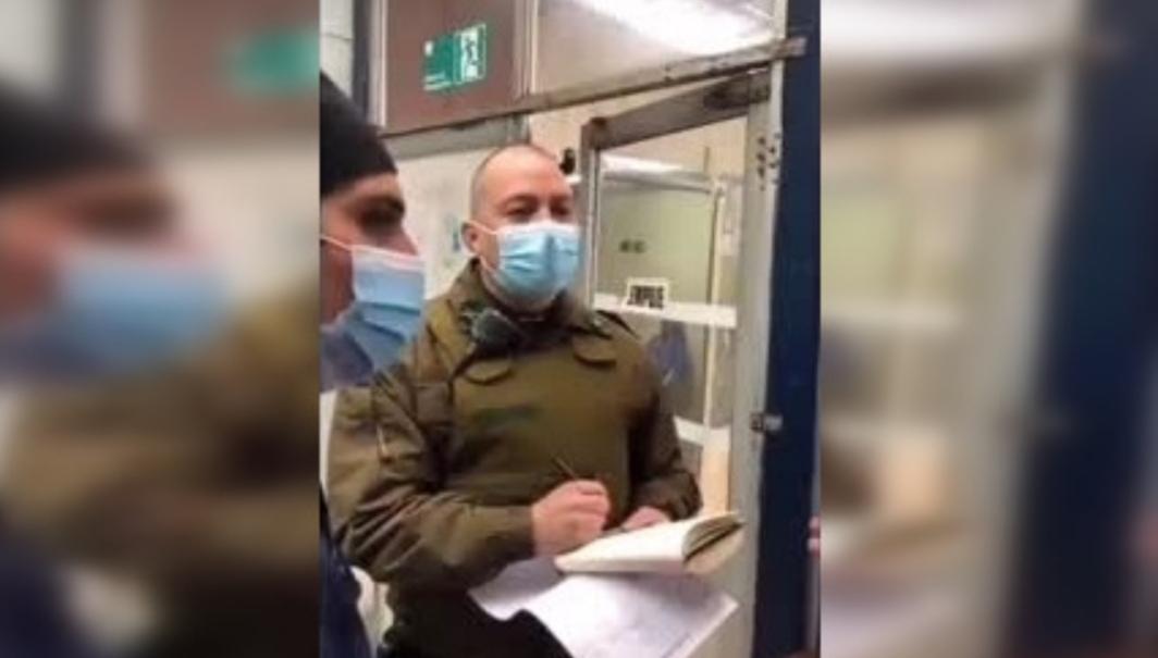«Estan como PERROS RABIOSOS» Carabinero INSULTA a personal de la salud por que no lo ATENDIERON RÁPIDO