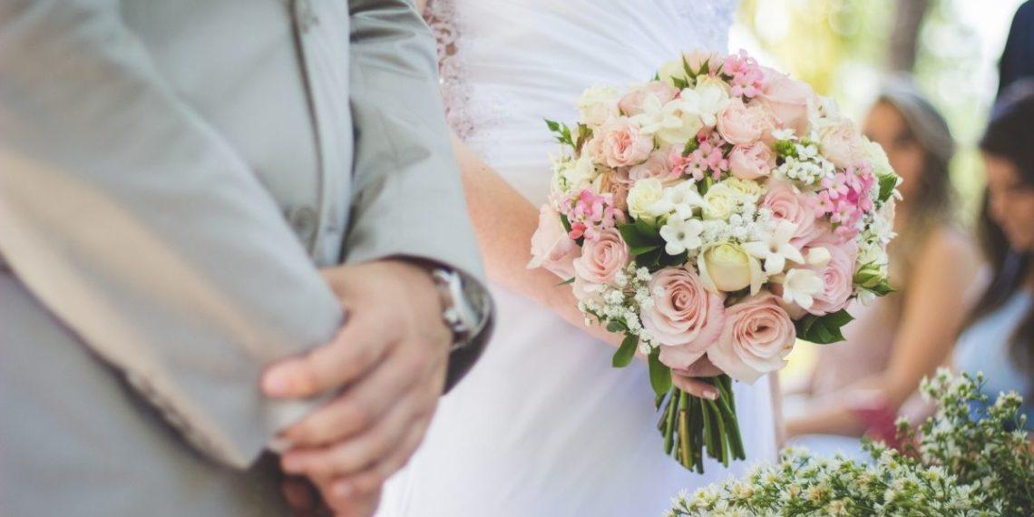 Masivo matrimonio deja 177 CONTAGIADOS y 7 MUERTOS relacionados con asistentes