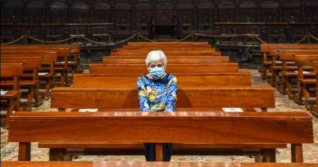 Gobierno CEDE ante presiones de iglesia católica y PERMITE cultos en comunas con FASE 2